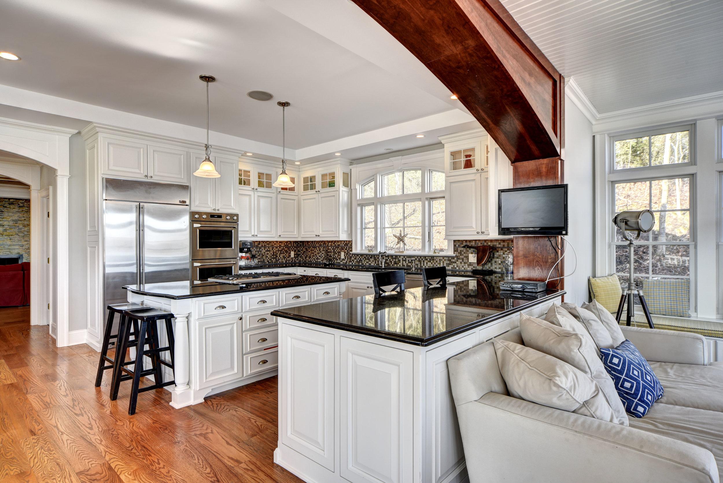 29 Winthrop Rd kitchen.jpg