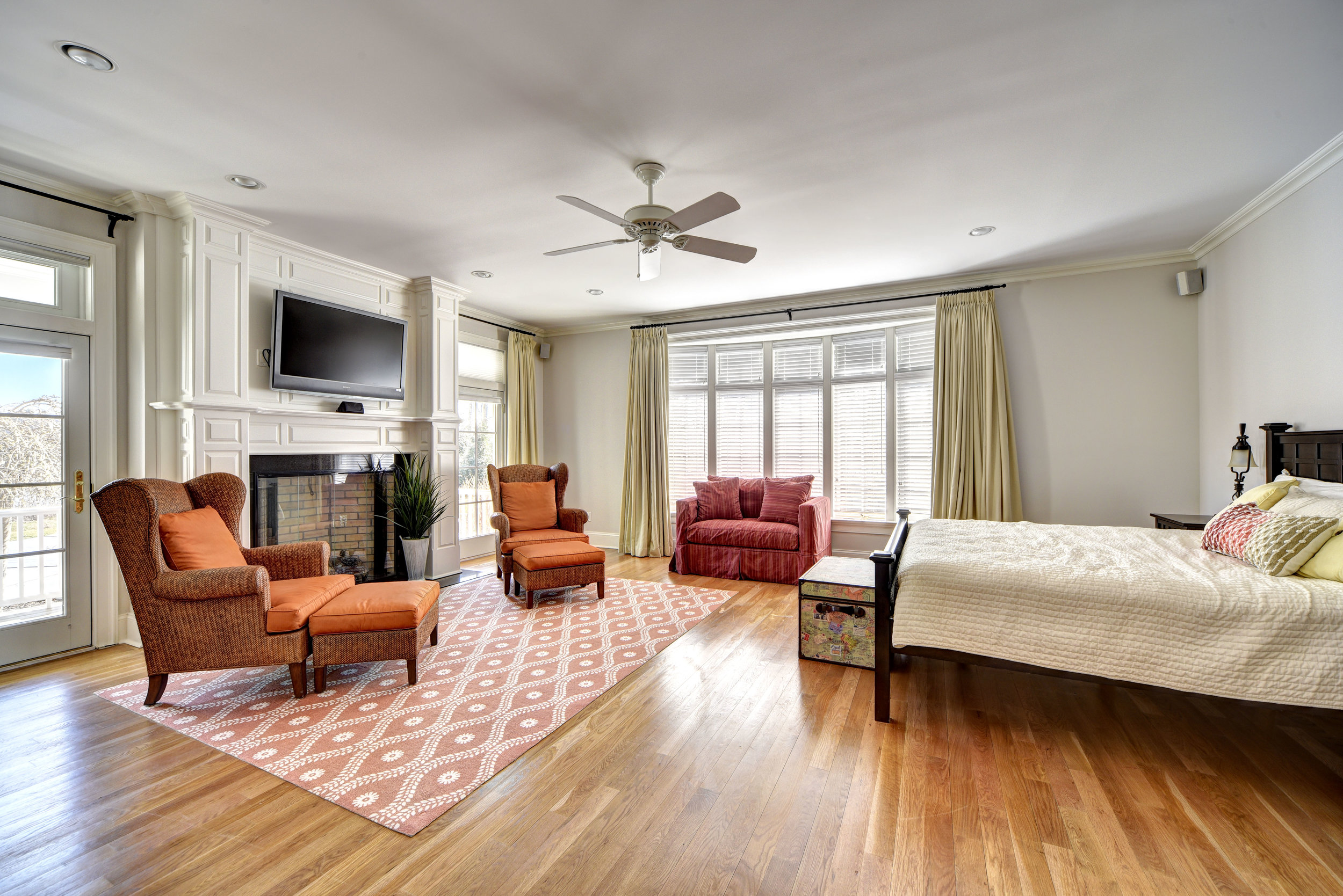 29 Winthrop Rd bed2.jpg