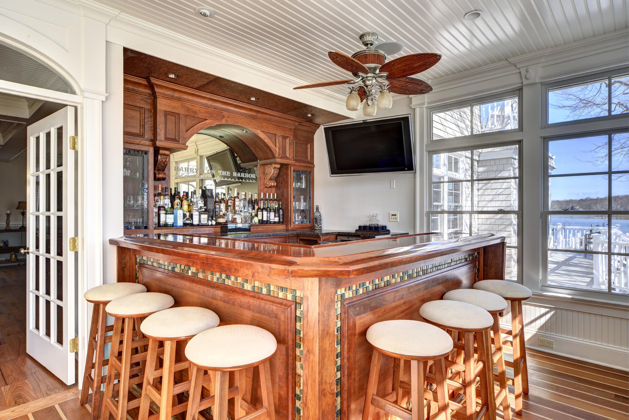 29 Winthrop Rd bar.jpg