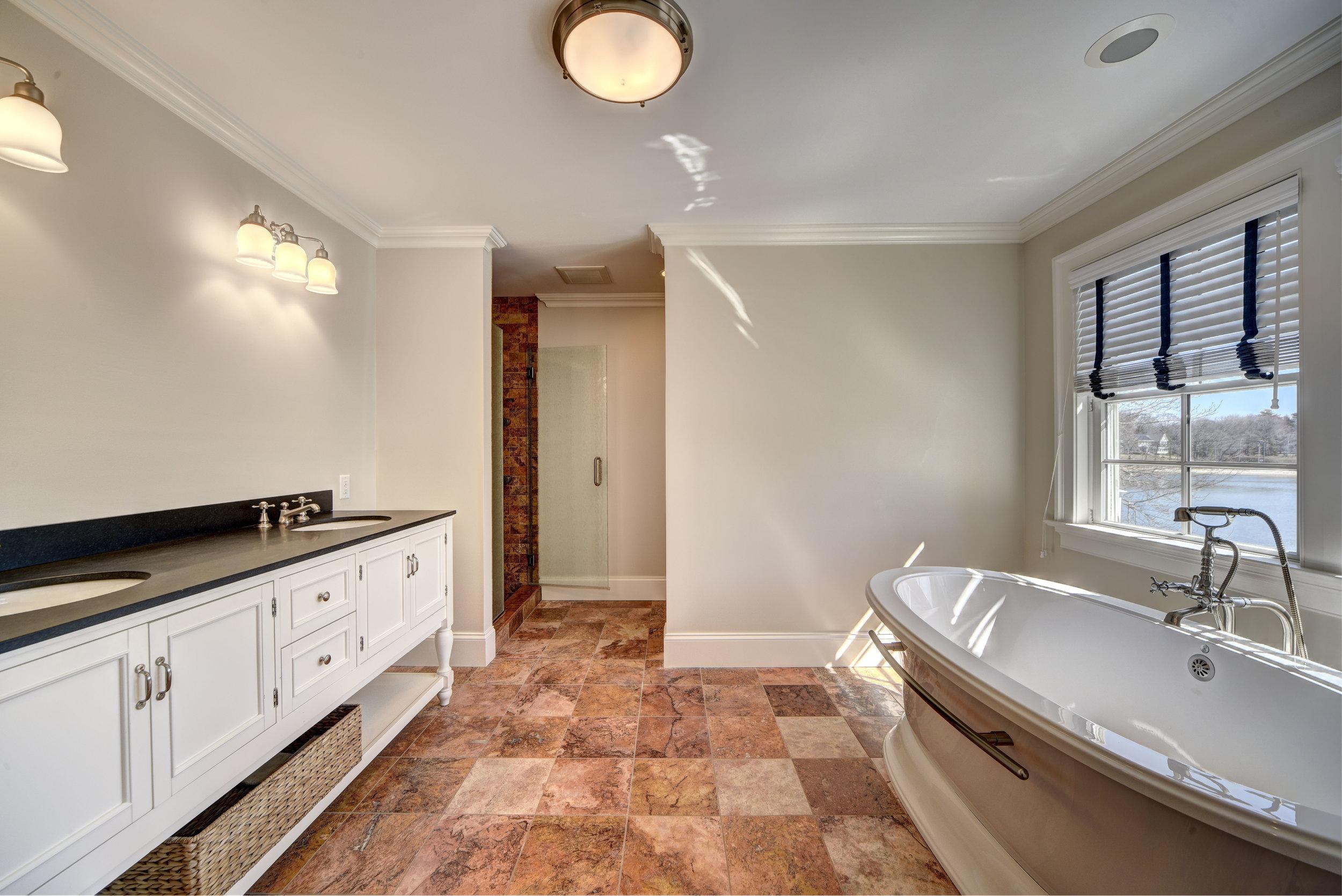 29 Winthrop Rd bath.jpg