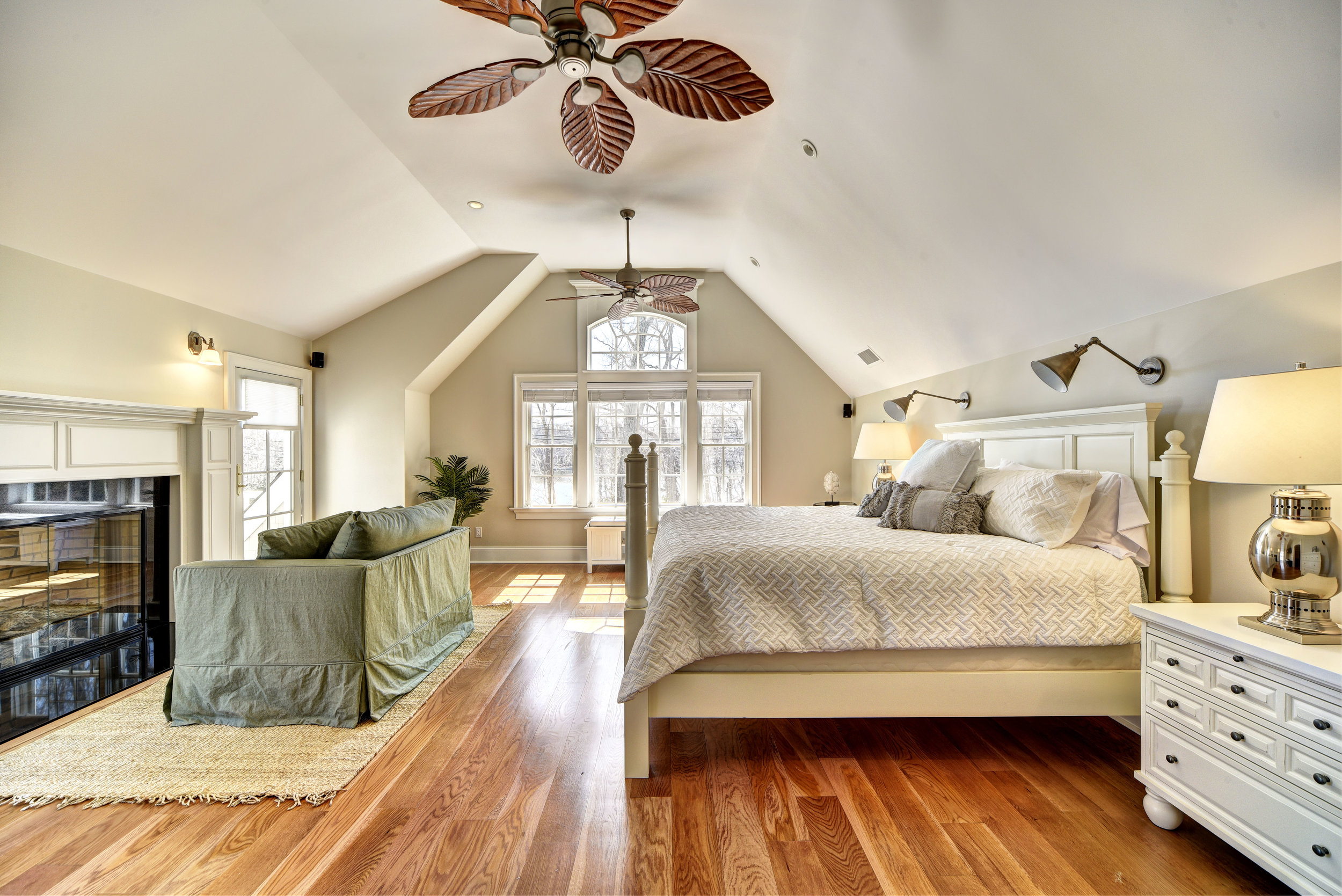 29 Winthrop Rd bed5.jpg
