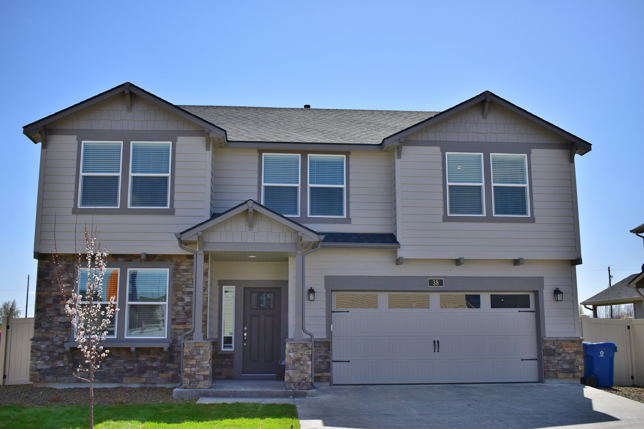 The most AFFORDABLE new construction in Eagle!
