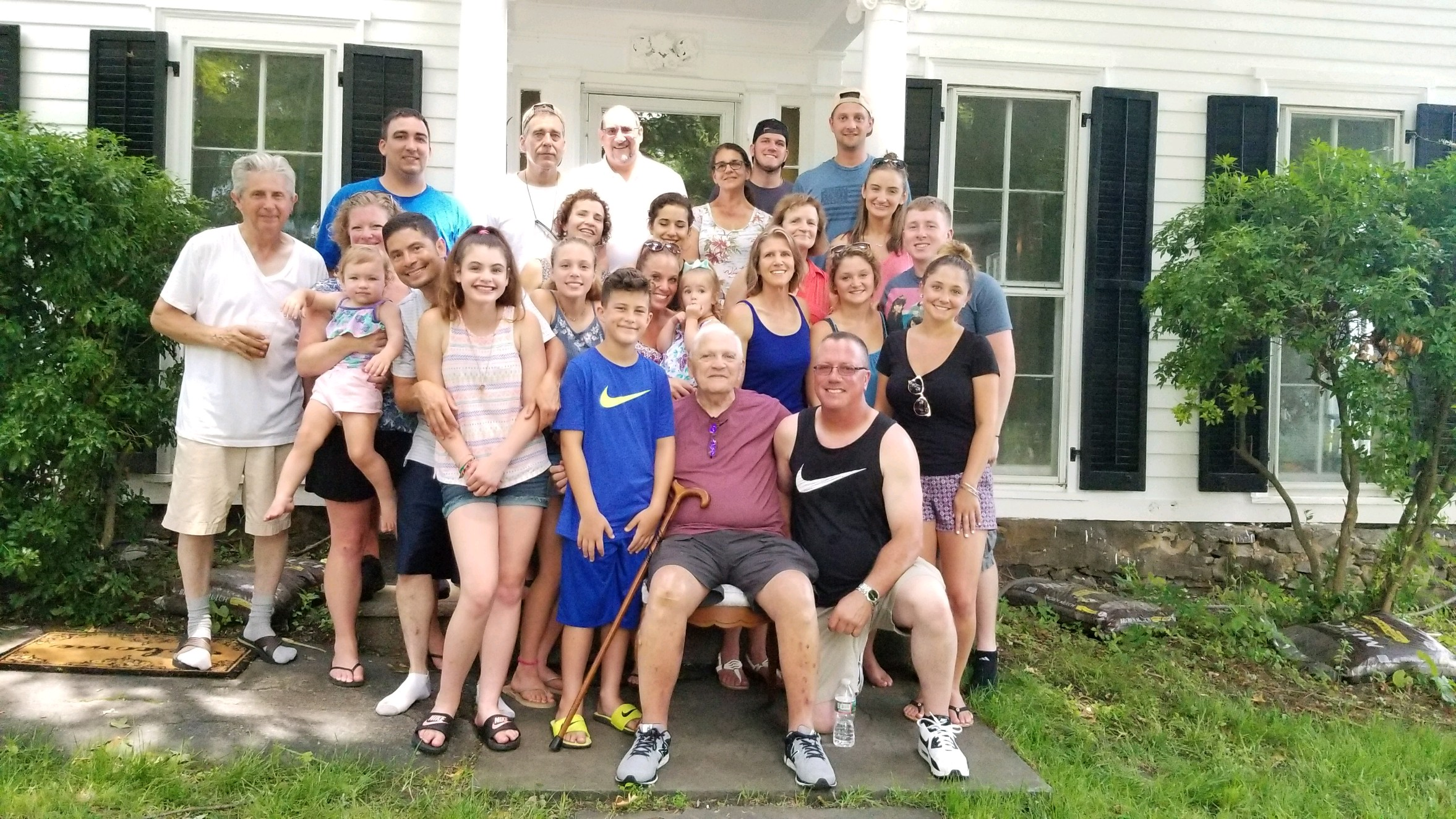 29 June 2018 - About 1/4 of my cousins, visiting my Great Uncle's old home.