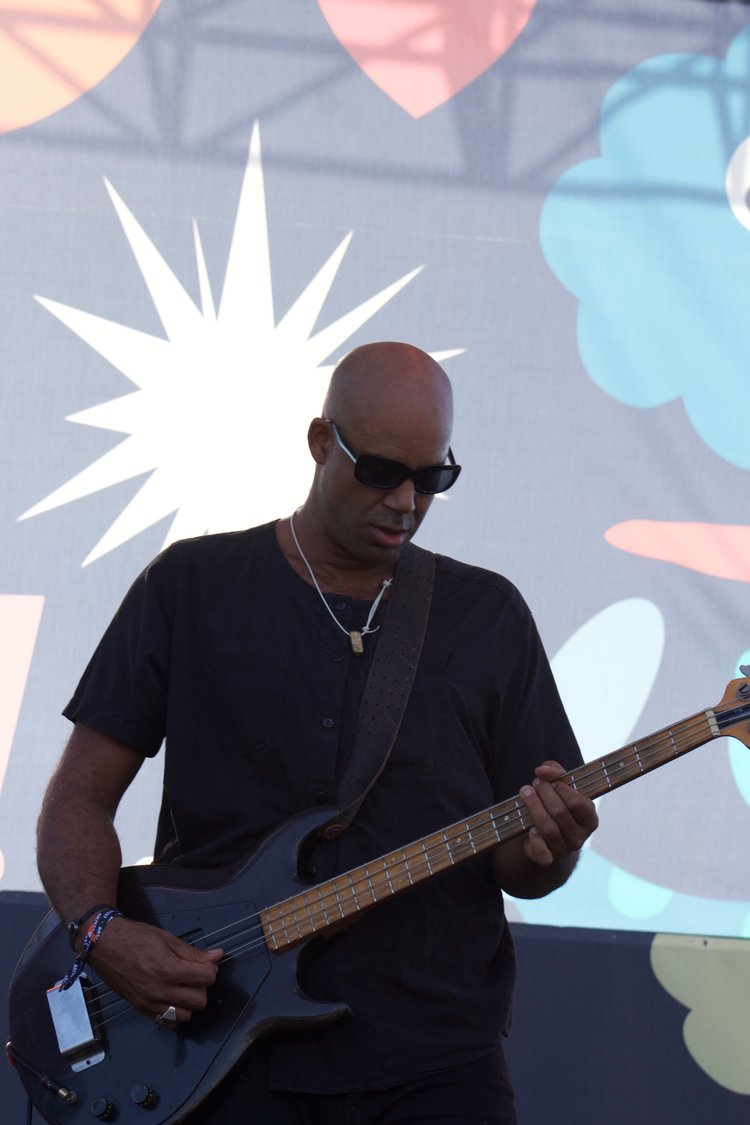 Senon Williams performing with Dengue Fever at Music Tastes Good 2017. Photo by Nancy Soriano.