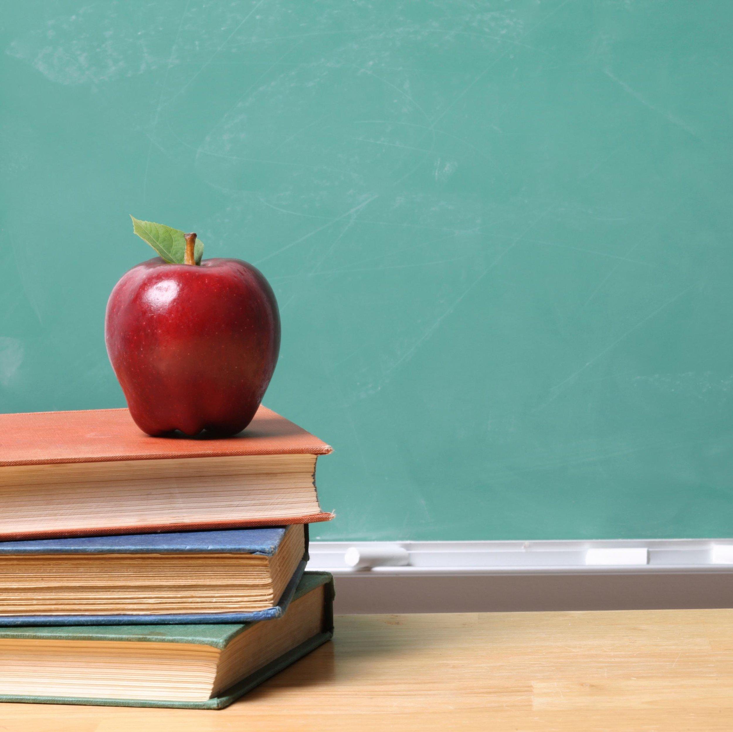 Apple-On-Teachers-Desk.jpeg