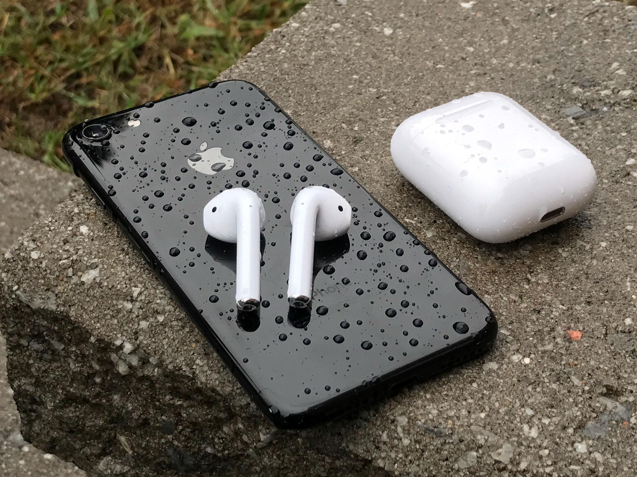 airpods-iphone-7-rain.jpg
