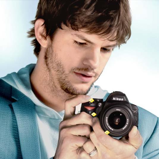 Ashton Kurcher Nikon.jpg