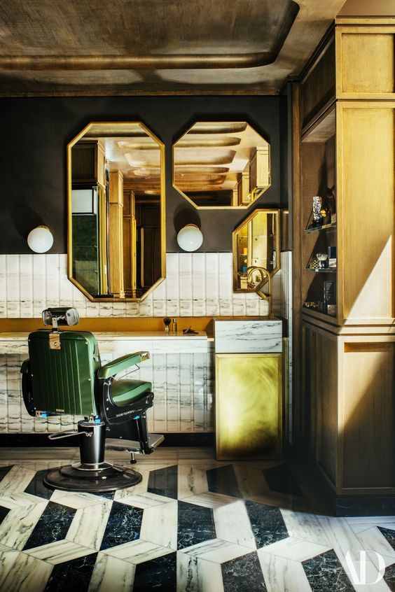 H otel de Crillon men's grooming area, La Barbière de Paris