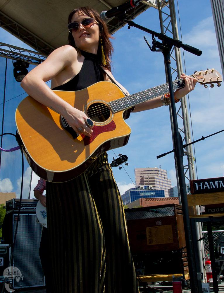 Hannah Harber & the Lionhearts GMF2019-6.jpg