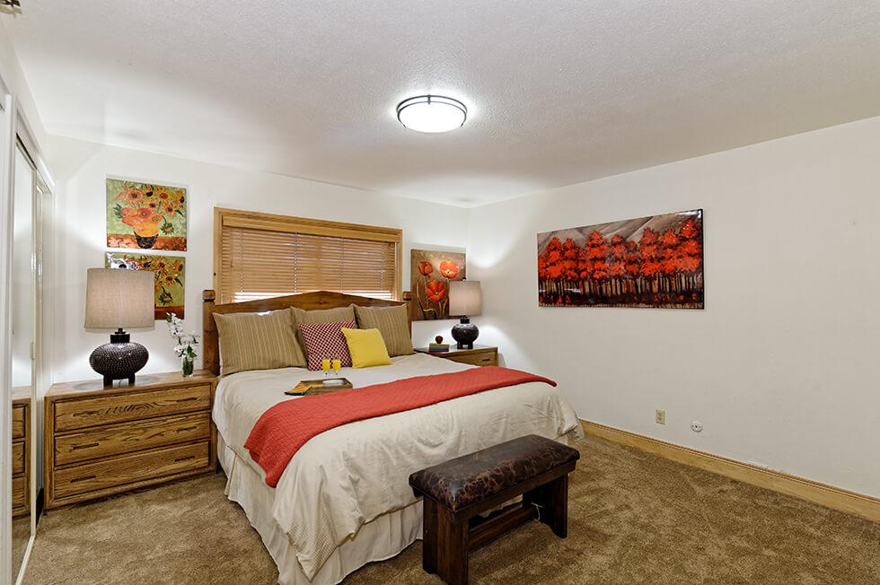 Crestwood Condominiums 3 Bed Deluxe 04.jpg