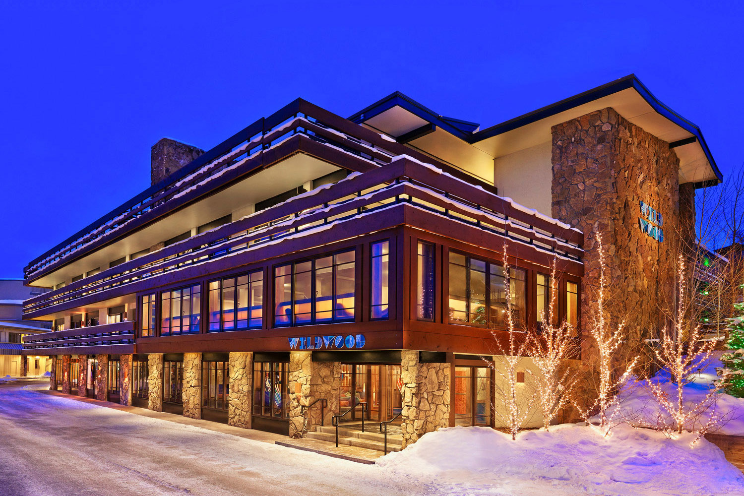 Wildwood - Explore our fun, retro Snowmass hotel, located in the Westin/Wildwood Snowmass Resort complex, adjacent to the slopes of Snowmass Mountain and the Snowmass Village Mall.The Wildwood Snowmass hotel offers an ideal location, just steps from the slopes and the finest shops, dining and nightlife in Snowmass Village. Plus, as a Wildwood guest you'll enjoy guest charging privileges at the Westin next door.