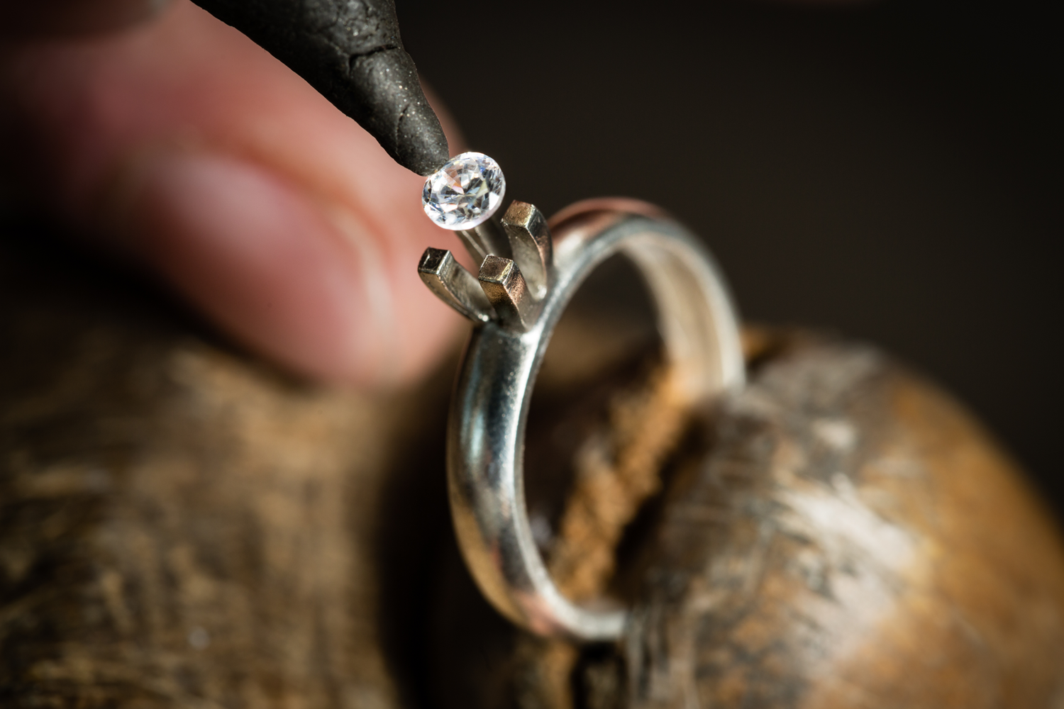 REPAIRS - Ambassador Diamond Jewelers offers full service jewelry and watch repair. Our goal is to make your piece better than new, and do it quickly and expertly while you watch, wait or shop. Don't just settle for fixed, when you can have it flawless.