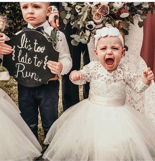 Cute!! . . #weddingdayphoto#prewedding#igwedding#weddingdecor#potd#weddingdress#dressrental#whitedress#flowergirldress#cute#溫哥華婚禮#海外婚禮#禮服出租