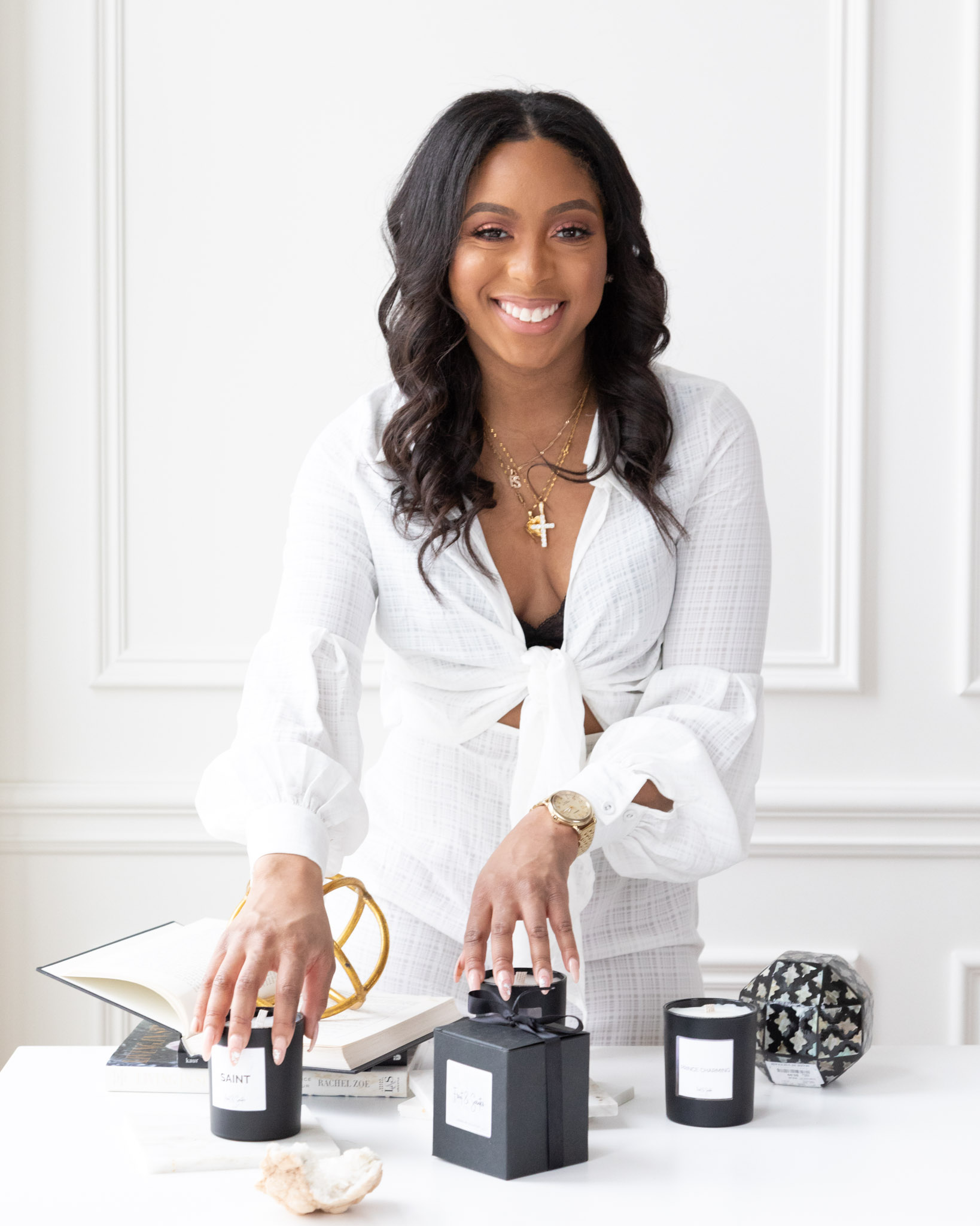 Makes Scents - Michigan Native Arielle Martin holds a true passion for clean fragrances. Since youth, Martin always believed that if it did not smell good, it was not clean. However, when developing her brand, she wanted to ensure that even if it smelled good, it was still clean. She tested various blends for months before curating the perfect blend that was birthed into Front & Scenter. Her love for Real Estate, the city, and fine fragrances come together to transform the city, one sensory experience at a time.