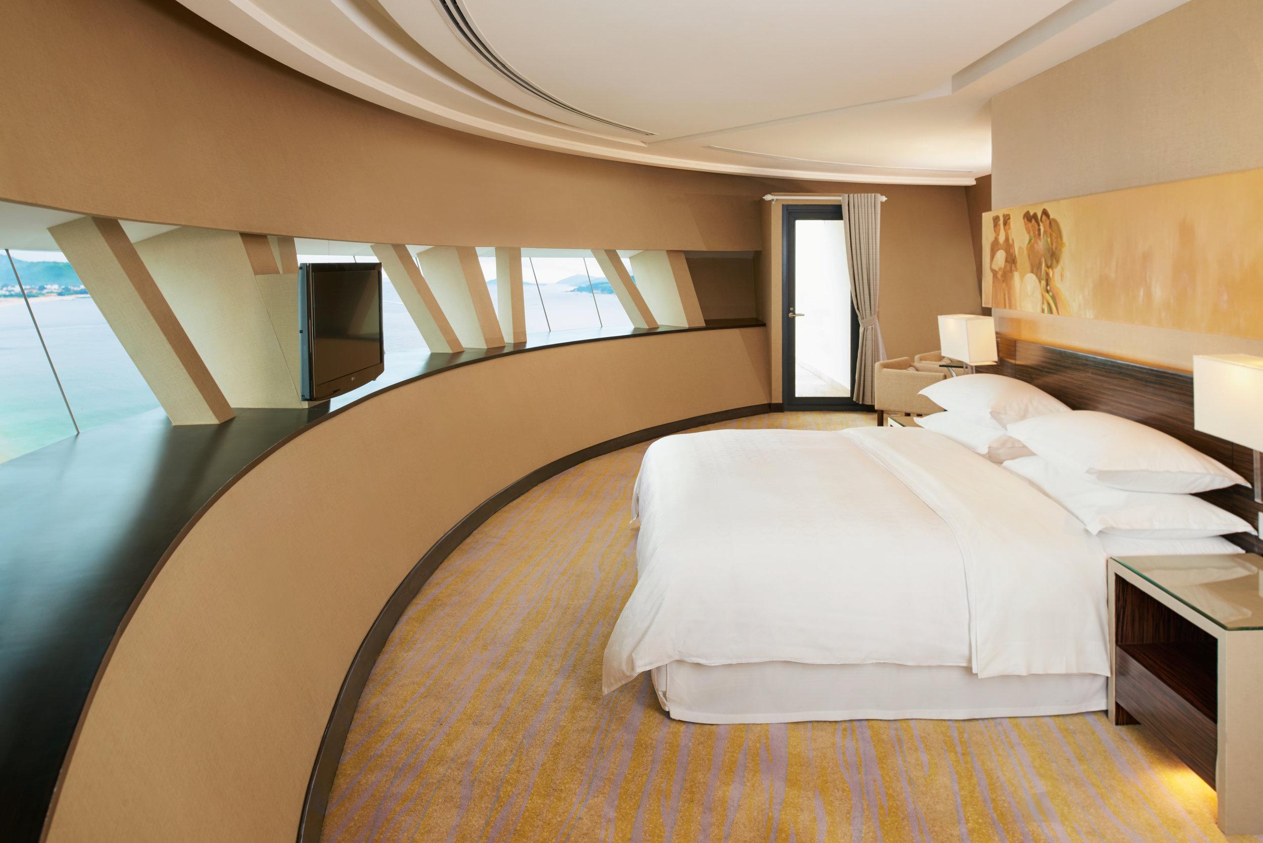 Sheraton Penthoue Bedroom.jpg