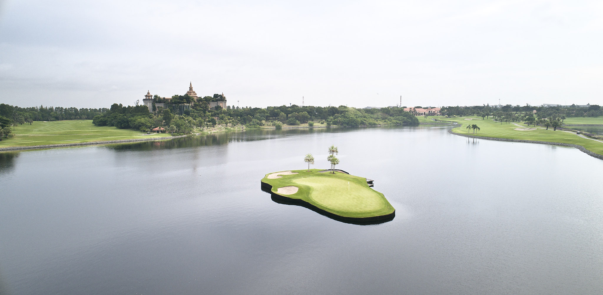 This island green weights 22 tons and its construction is a engineering prowess