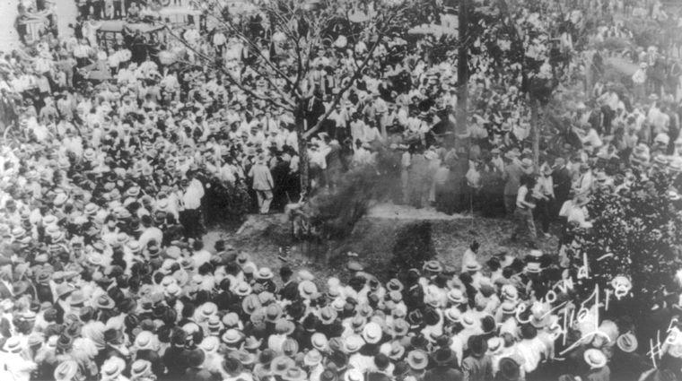10,000+ member lynch mob