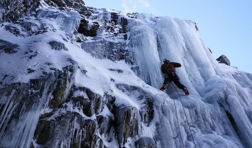 winter-climbing-in-the-lake-district.jpeg