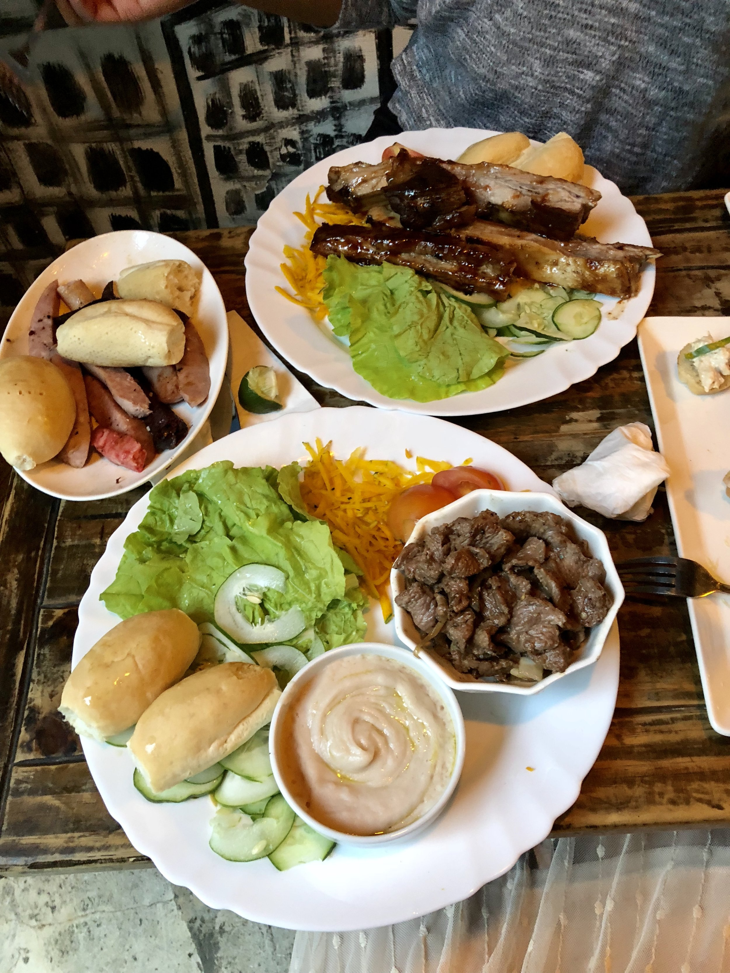 I don't know about you, but this looks pretty darn amazing. ( El Chanchullero)