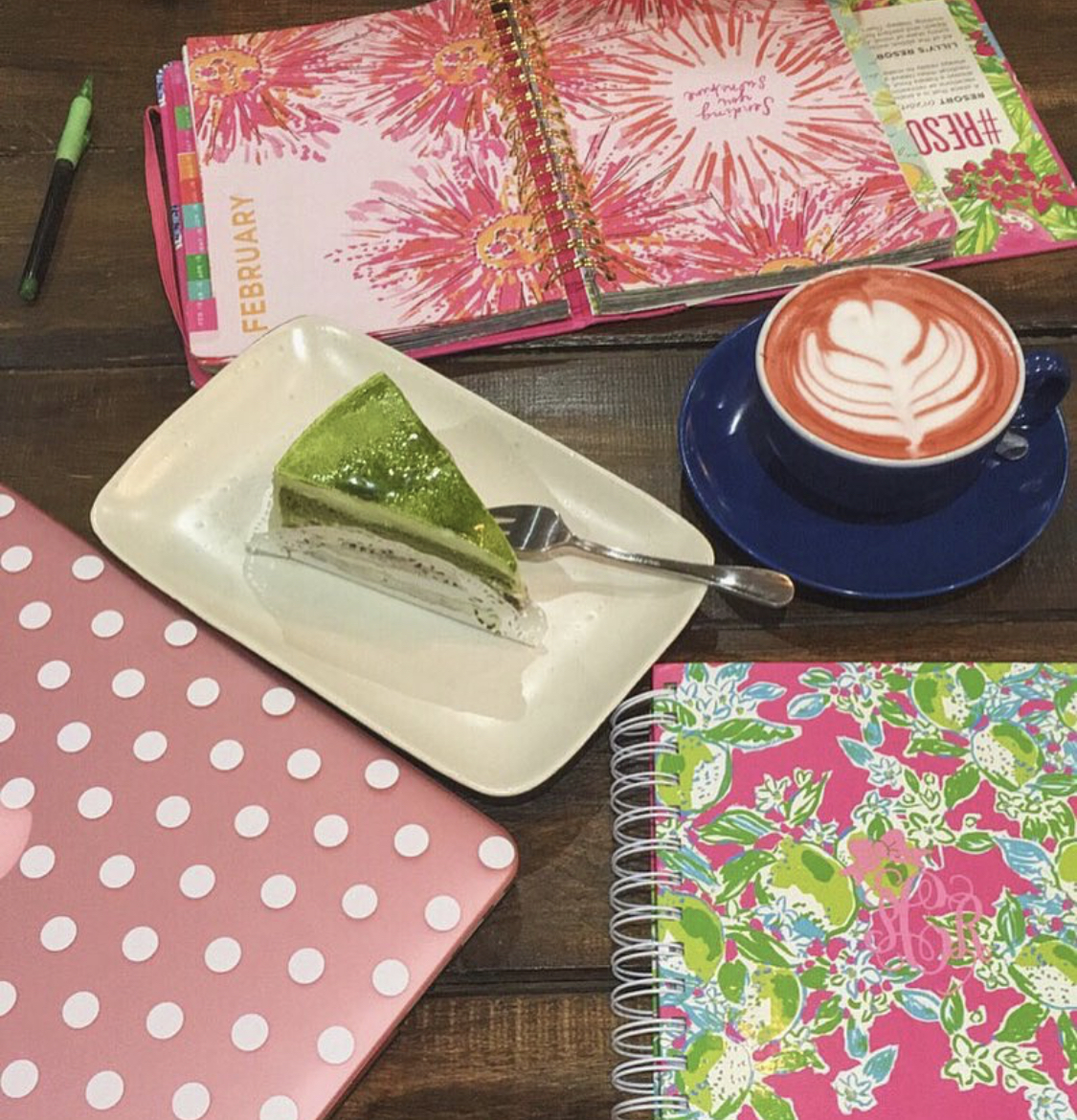 A regular spot to study and enjoy lattes and green tea cakes (Hanso Cafe)
