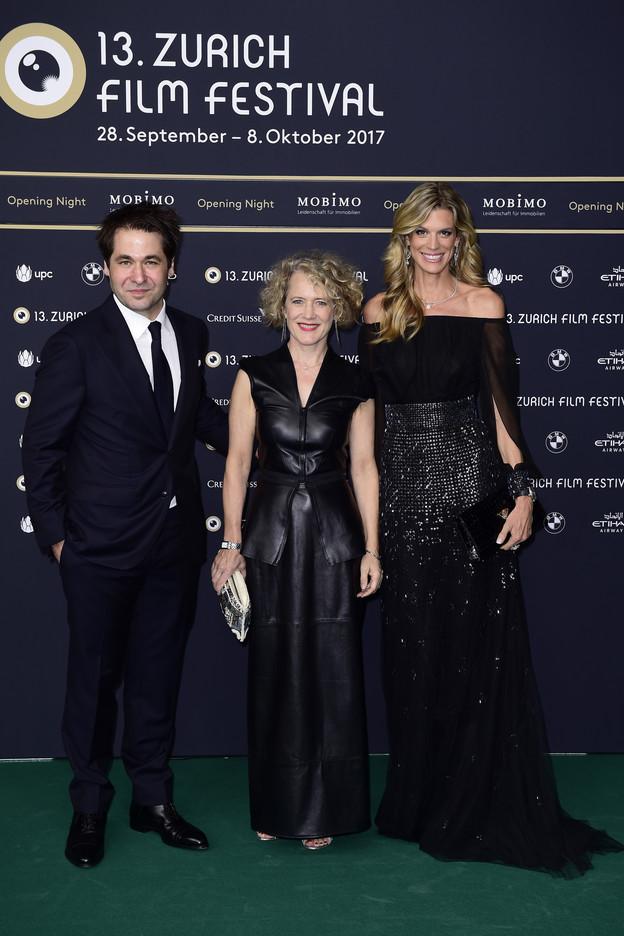 Corine Mauch (Mitte) ist offenbar schon seit 2009 Zürichs Stadtpräsidentin... BILD: srf.ch