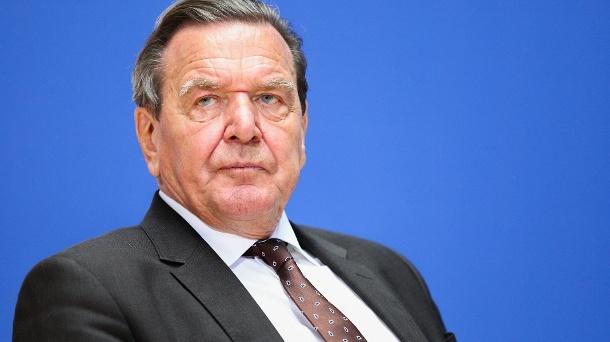 Gerhard Schröder wird als Konzernboss zu sehen sein.