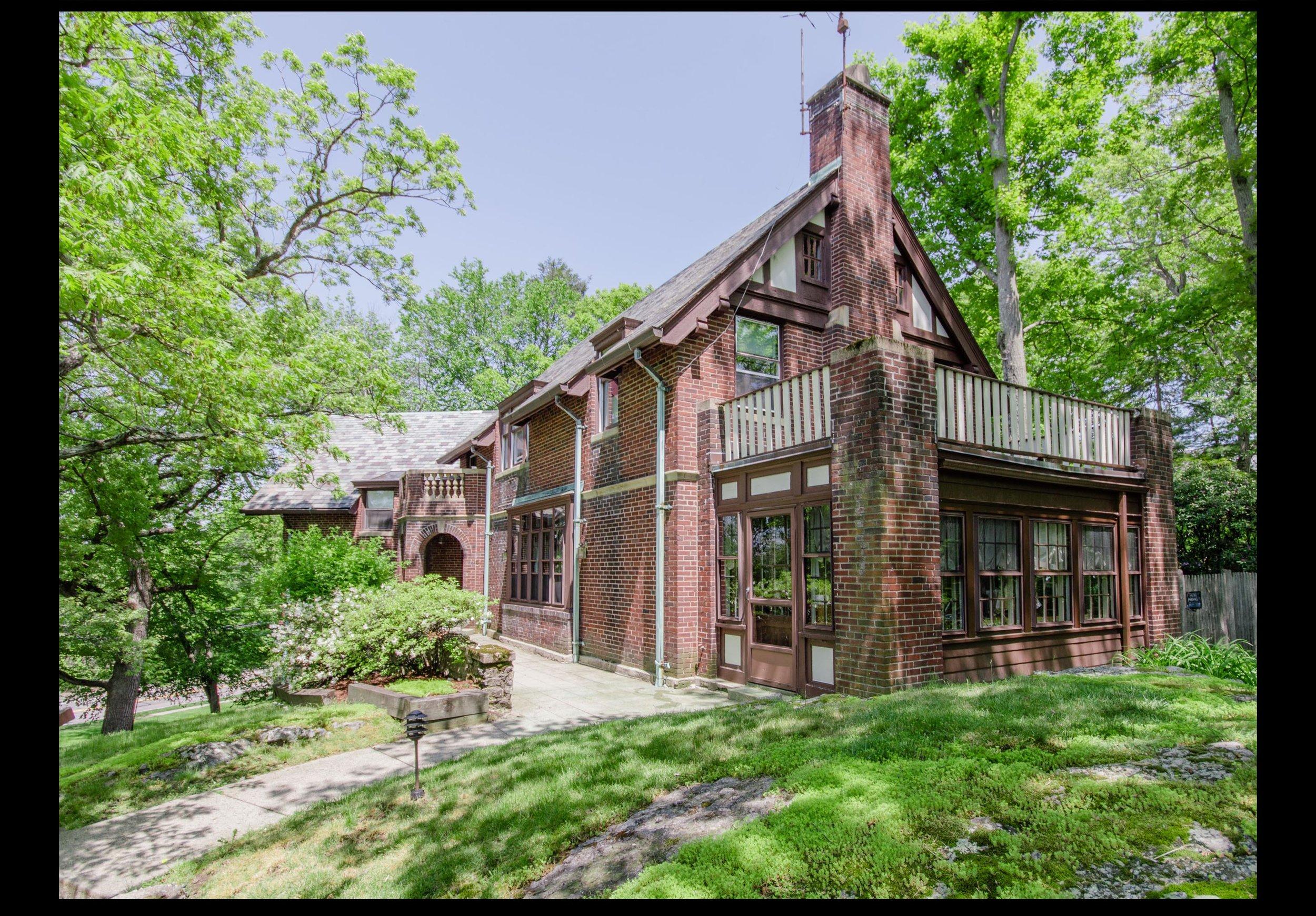 1125 W Roxbury Pkwy Brookline - $1,988,000