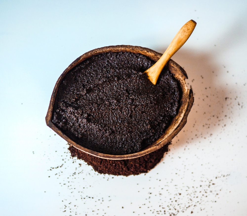 Wake up & smell the coffee - Organic fairtrade coffee & mint scrub