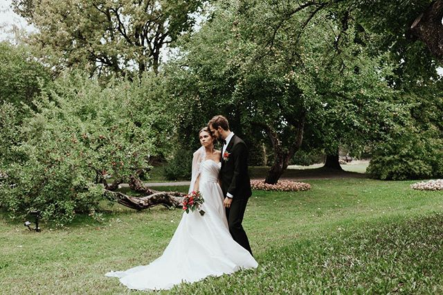 Yesterday this power couple celebrated their 1 year wedding anniversary - congratulations!!🔥✨🥂