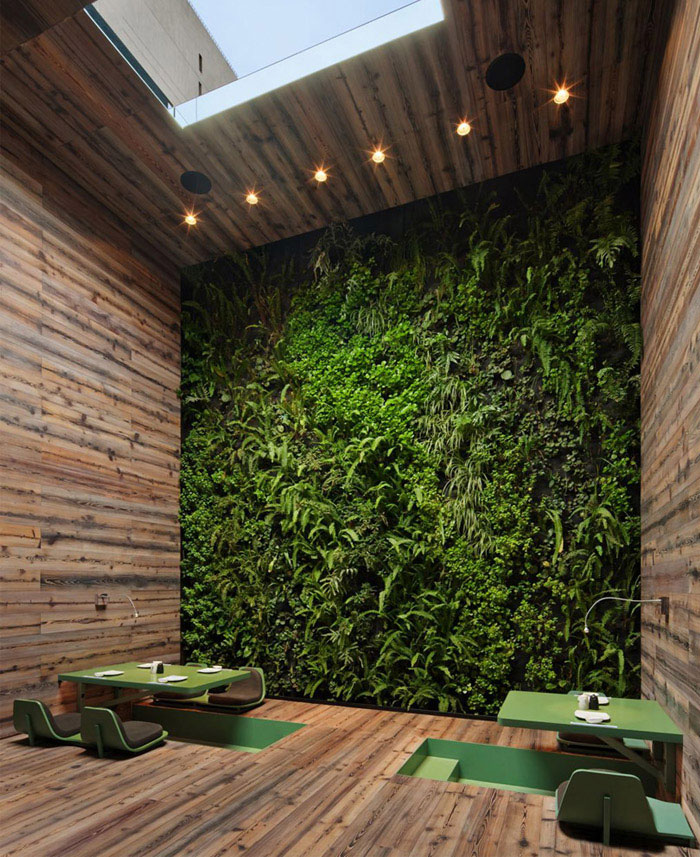 japanese-restaurant-interior-organi-wall.jpg