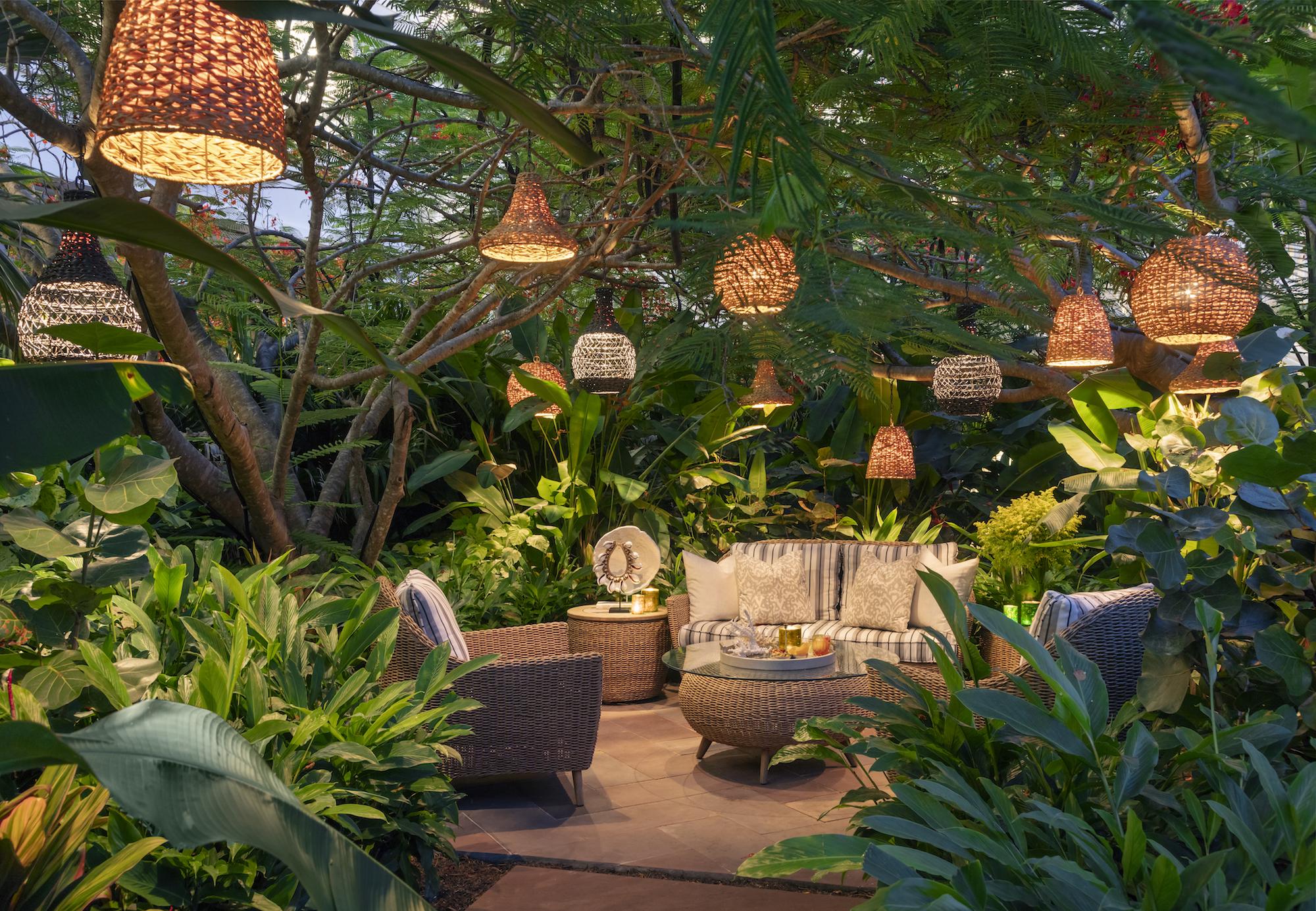 BHM_99356573_Resort_Garden_Nook.jpg