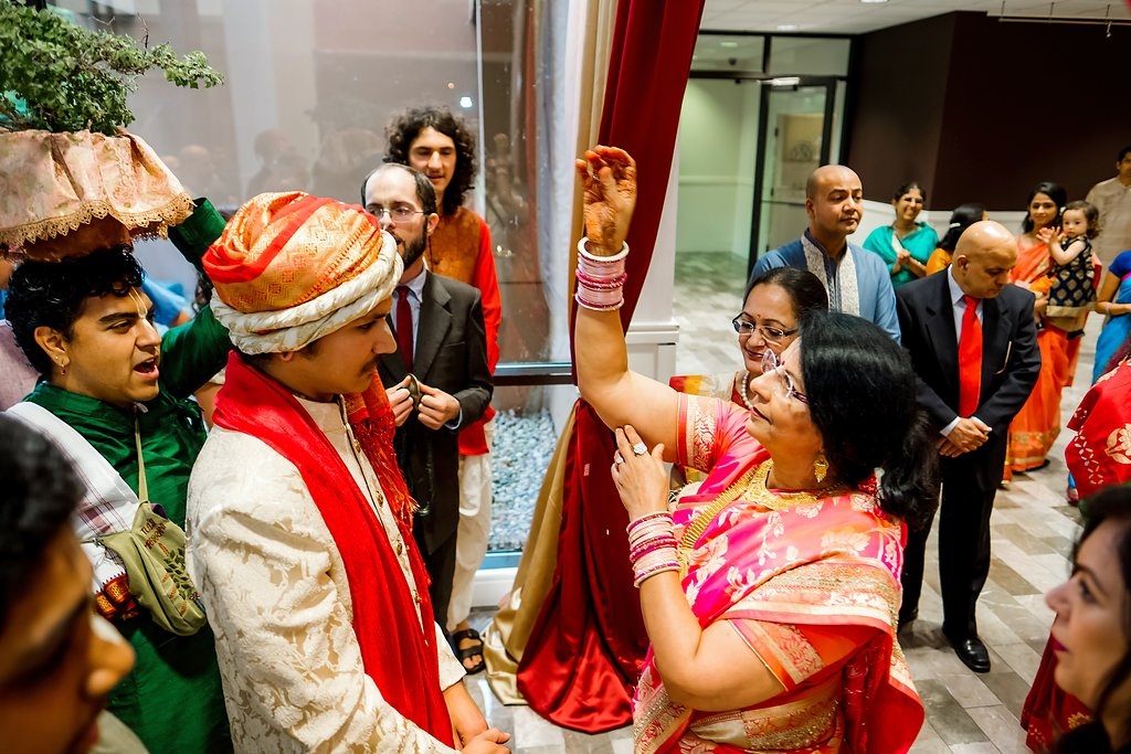 Stunning Indian Wedding Photography in Detroit