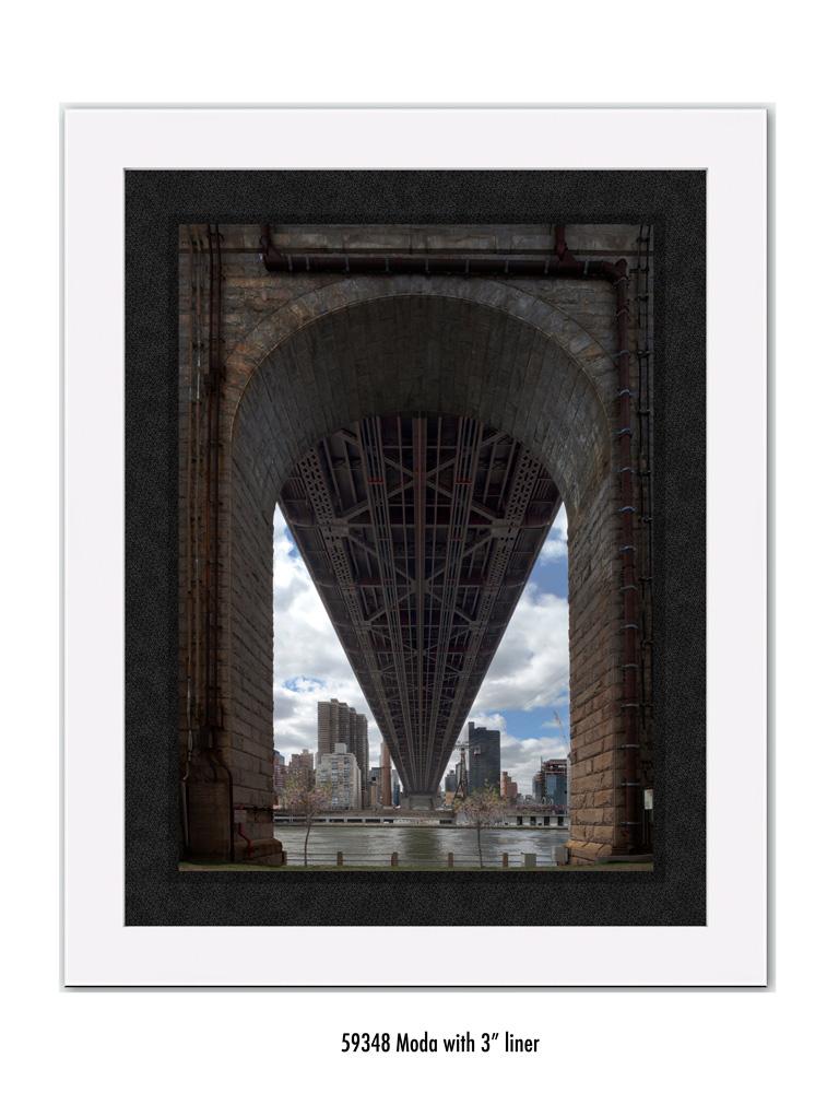 Queens-Bridge-59348-3-blk.jpg
