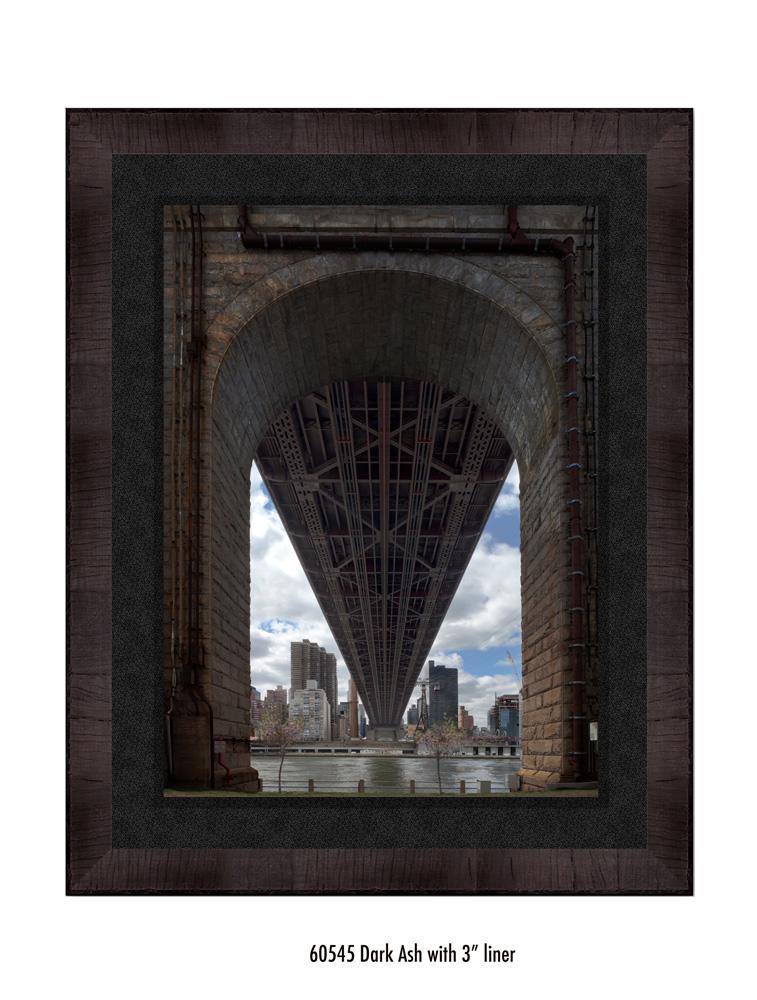Queens-Bridge-60545-3-blk.jpg
