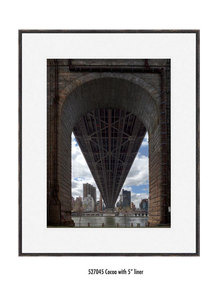 Queens-Bridge-527045-5-wht.jpg