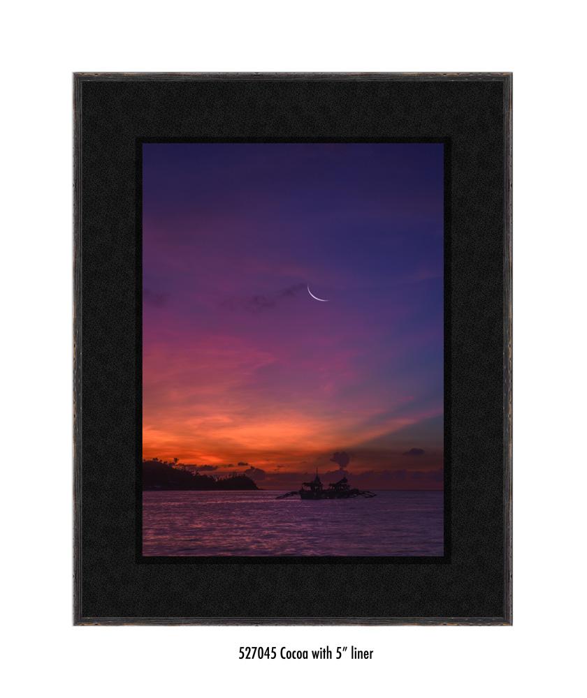 Crescent-Moon-tale-527045-5-blk.jpg