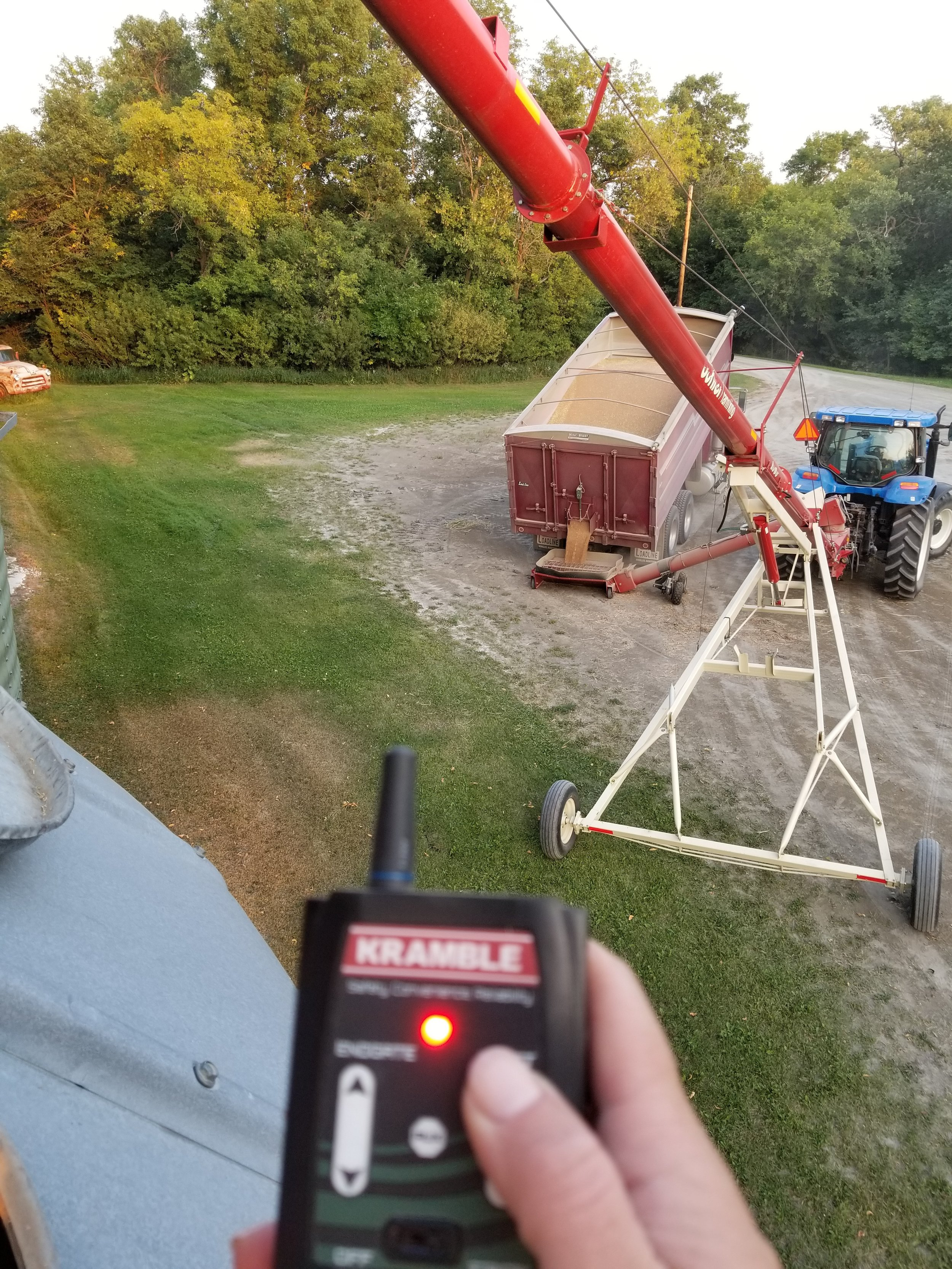 Box & endgate remote lift - 4 benefits1. Increased distance from the auger2. Easily able to lift the box and/or endgate from various locations3. Can keep unloading while checking on how full the bin is4. Able to stay out of the dust - which is a huge benefit when the truck is full of oats (ITCHY!!!!)
