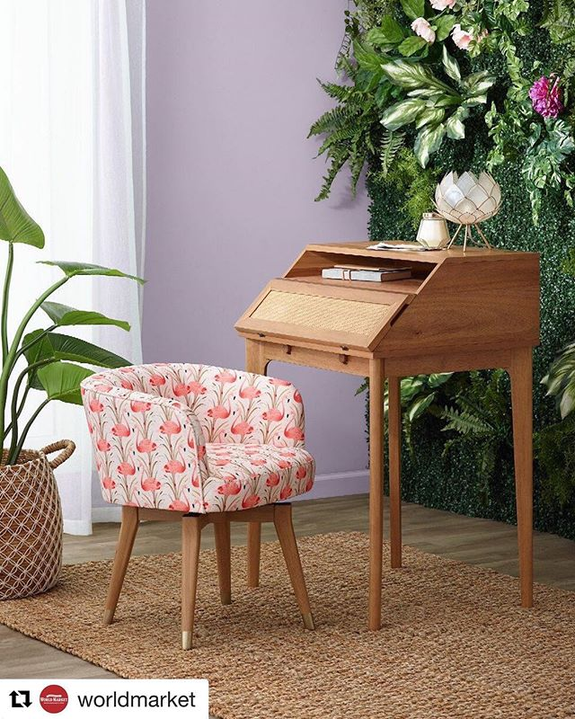 Fun little desk/chair moment I styled for World Market. 😍💖 #flamingos @worldmarket