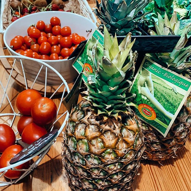 Fresh and Yummy 🍅🥬🍍🍊🥝🍒 Proud of our bio and organic goods . They are born in #tarifa 💚 . #ecobiotarifa #tarifaecocentershop #bioveganshop #veganrestaurant