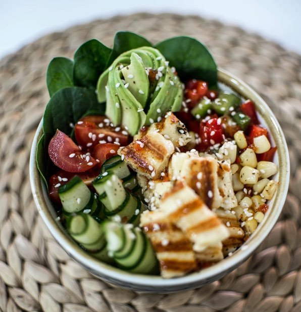 We are getting excited for our new neighbours @lulus.cafe.poke to move in down the road. Can't wait to try their vegetarian halloumi pokè bowl #visitnewcastle #kinghousecrew #newcastlefoodie