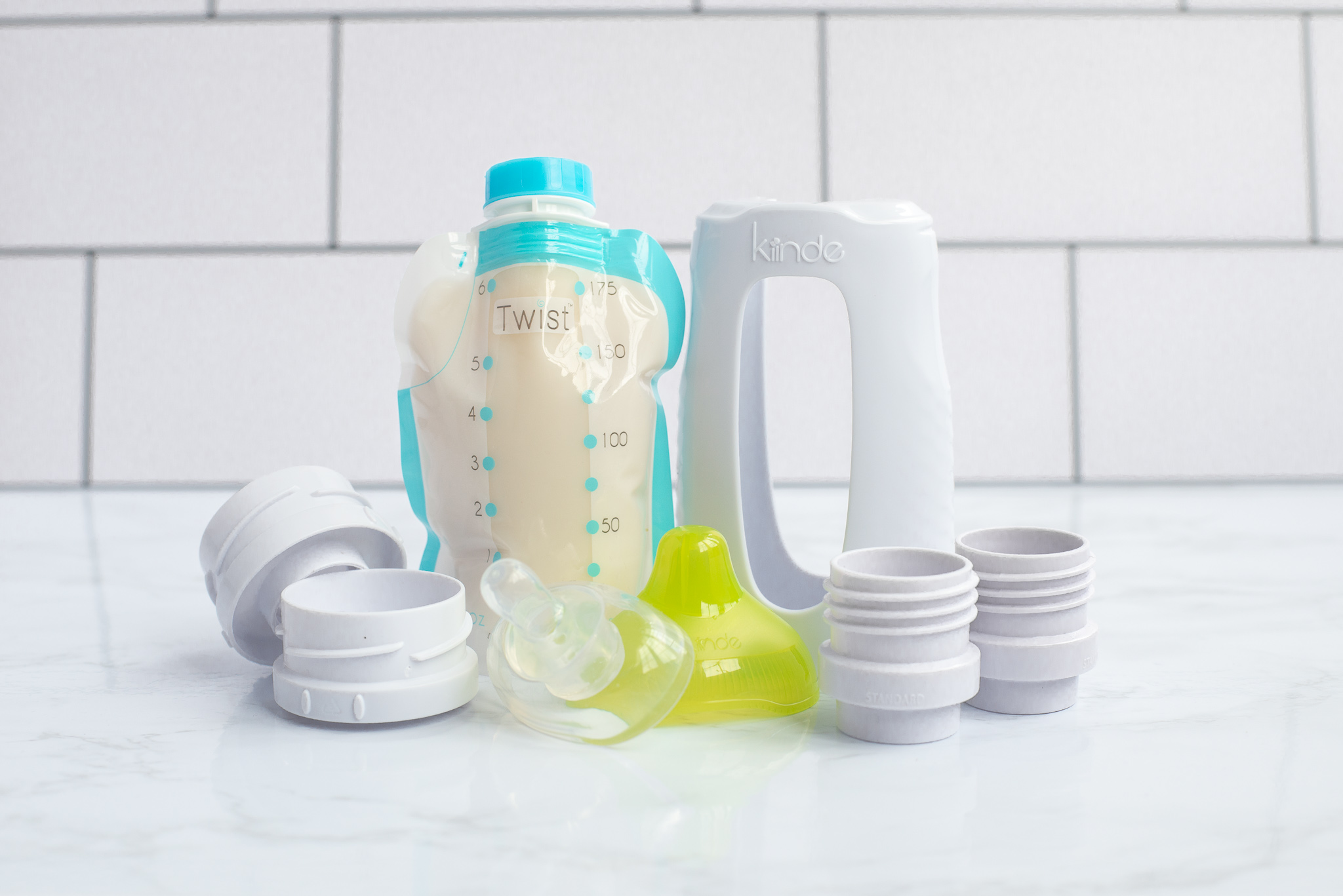 Kiinde Starter Set - The Kiinde feeding system takes you from pumping to bottle to feeding and storage without the need to transfer from one container to another. Learn more about how they work on the Kiinde website found here.
