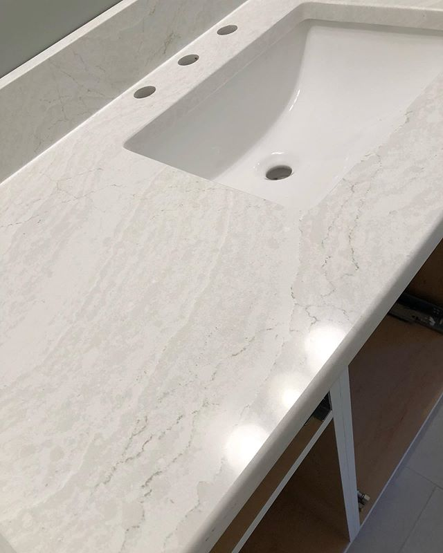 In love with this new #cambriaquartz that we just installed in a guest bath today.  The sample doesn't do justice to the installed product!  #bathremodel #quartzcountertops #toneontone . .  #lkn #704 #interiordesignerclt #cltdesign #davidsonnc #newhomenc  #lakenormanhomes #corneliusnchomes #charlottehomedesign #charlottebeautifulhome #homedesign #lakenormanhome #charlotteinteriordesigner #davidsonnc #designstyle #homerenovation #resinteriors #designsforliving
