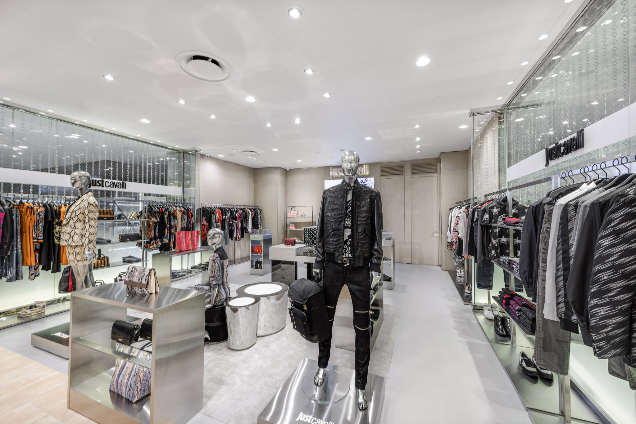 20160729 - Just Cavali - HCM - Commercial - Interior - Store - Retouch 0004.jpg