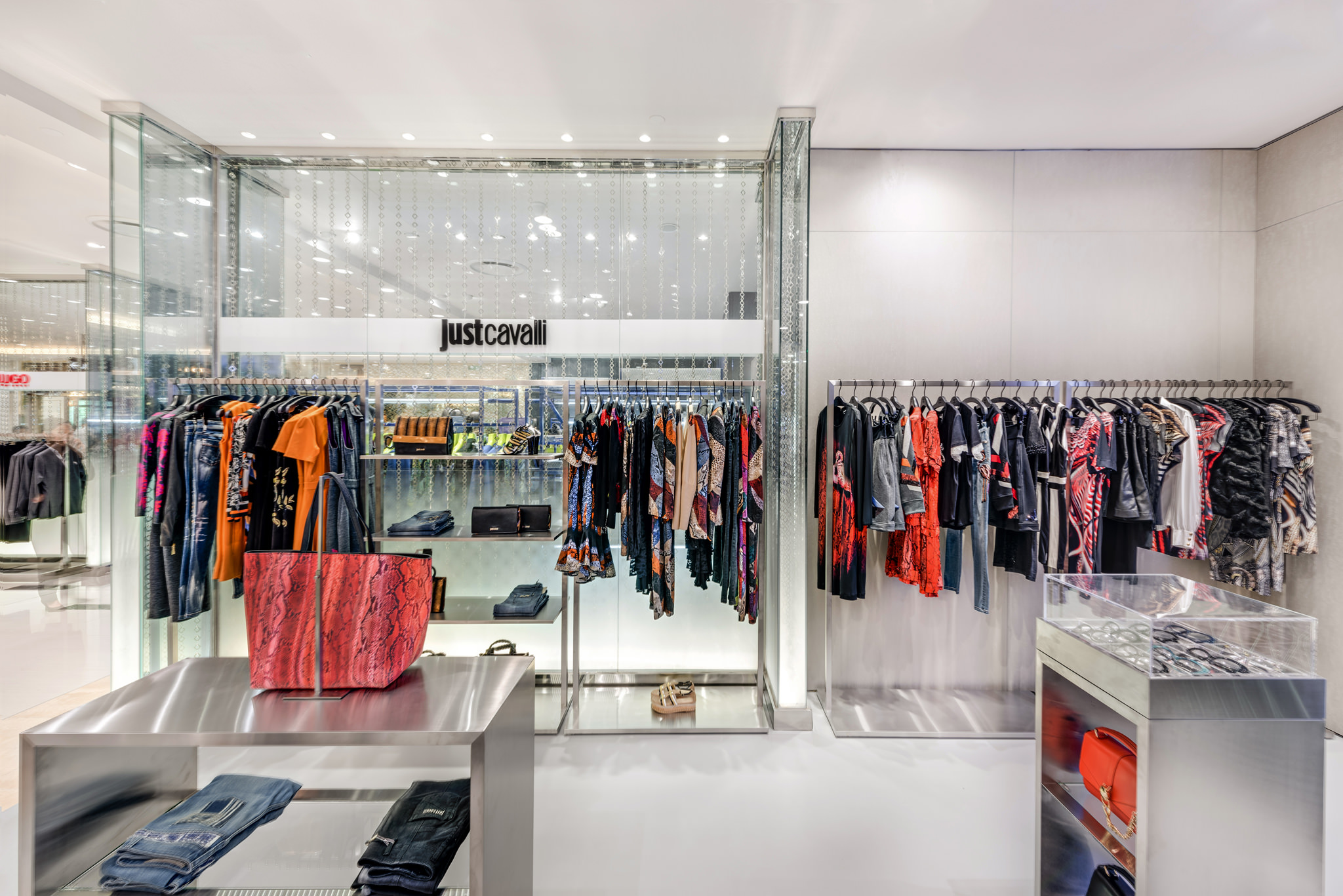 20160729 - Just Cavali - HCM - Commercial - Interior - Store - Retouch 0008.jpg