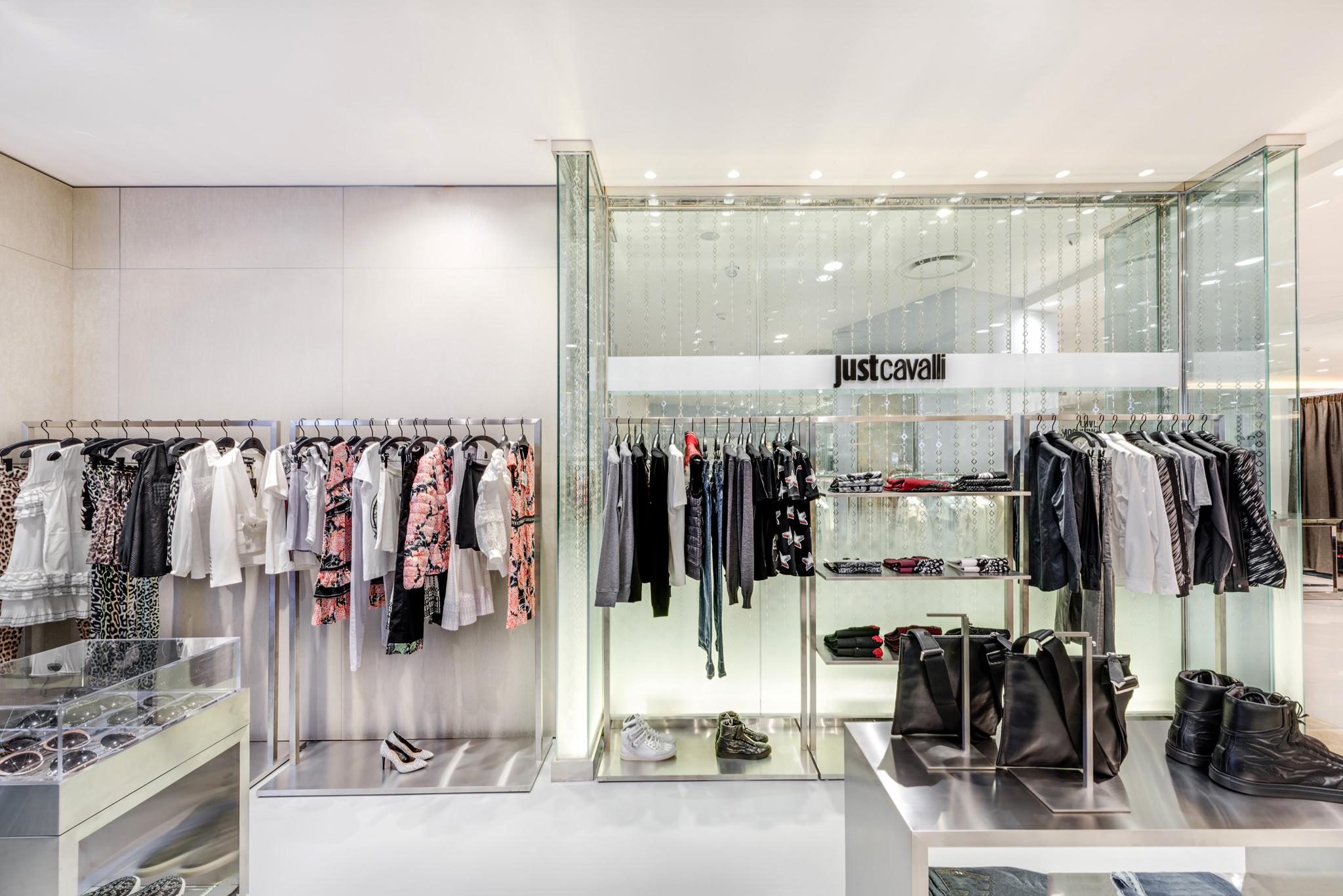 20160729 - Just Cavali - HCM - Commercial - Interior - Store - Retouch 0009.jpg