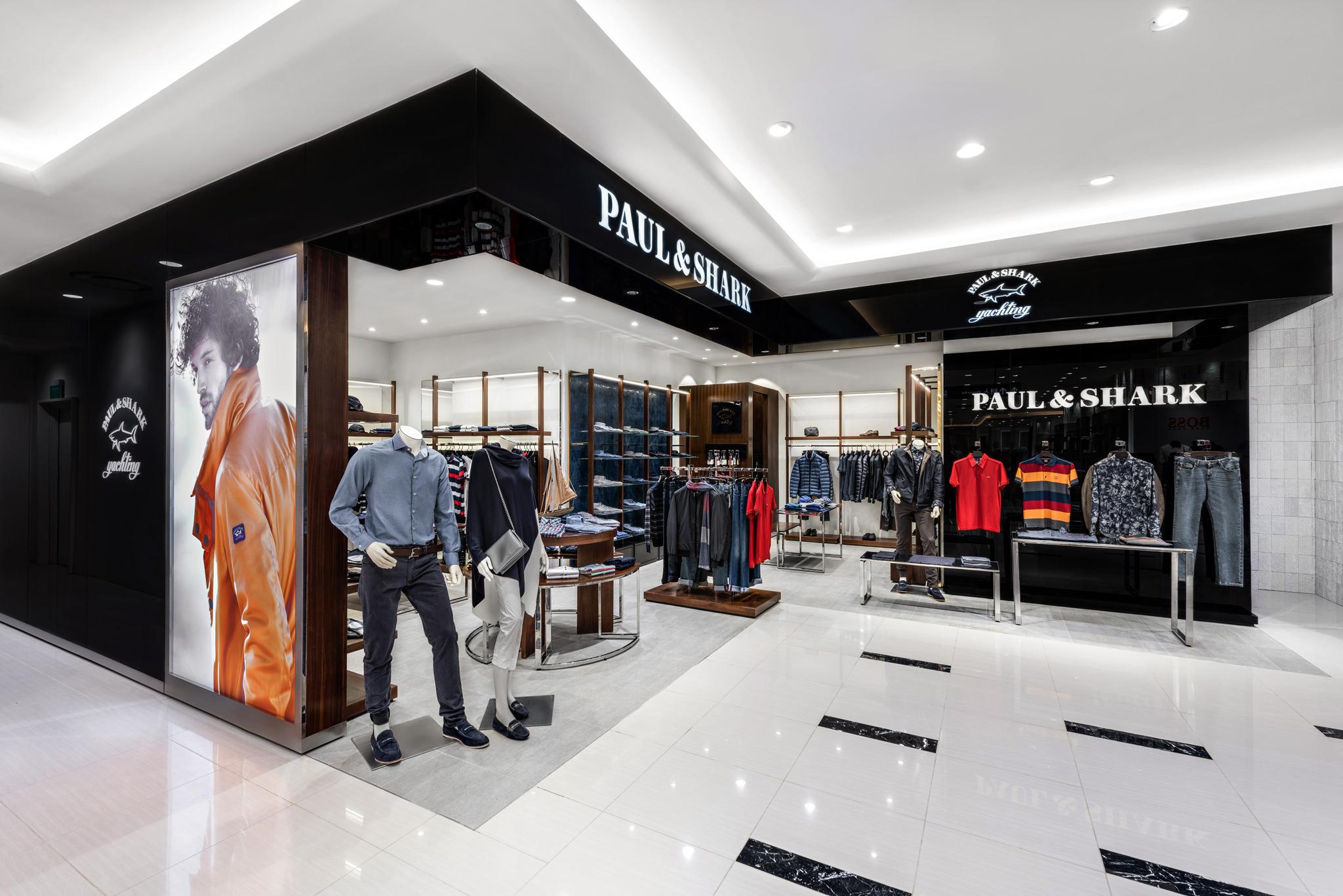 20160729 - Paul & Shark - HCM - Commercial - Interior - Store - Retouch 0002.jpg