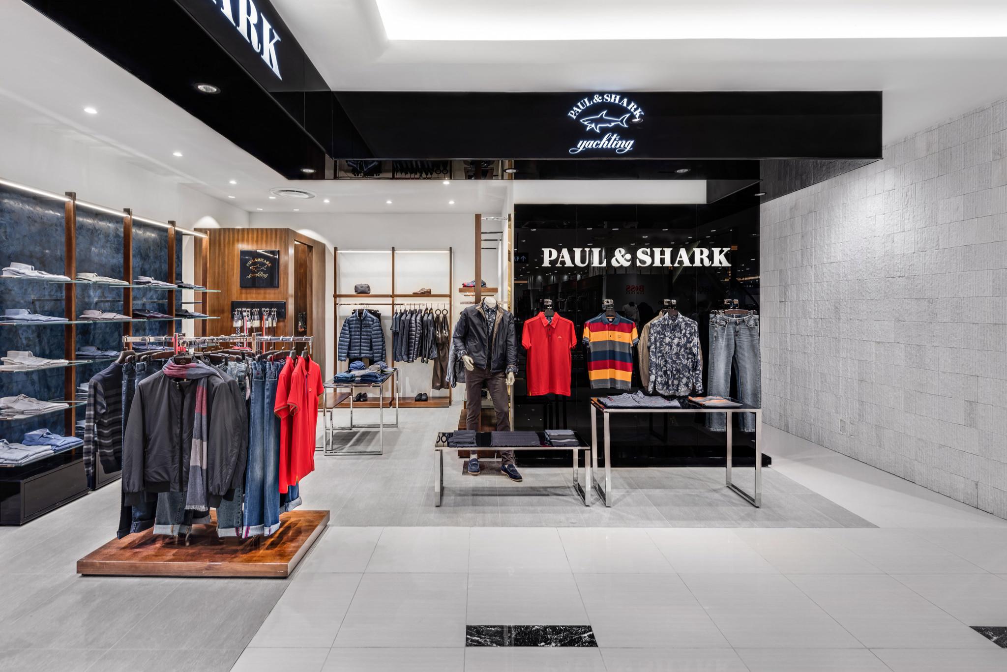 20160729 - Paul & Shark - HCM - Commercial - Interior - Store - Retouch 0004.jpg