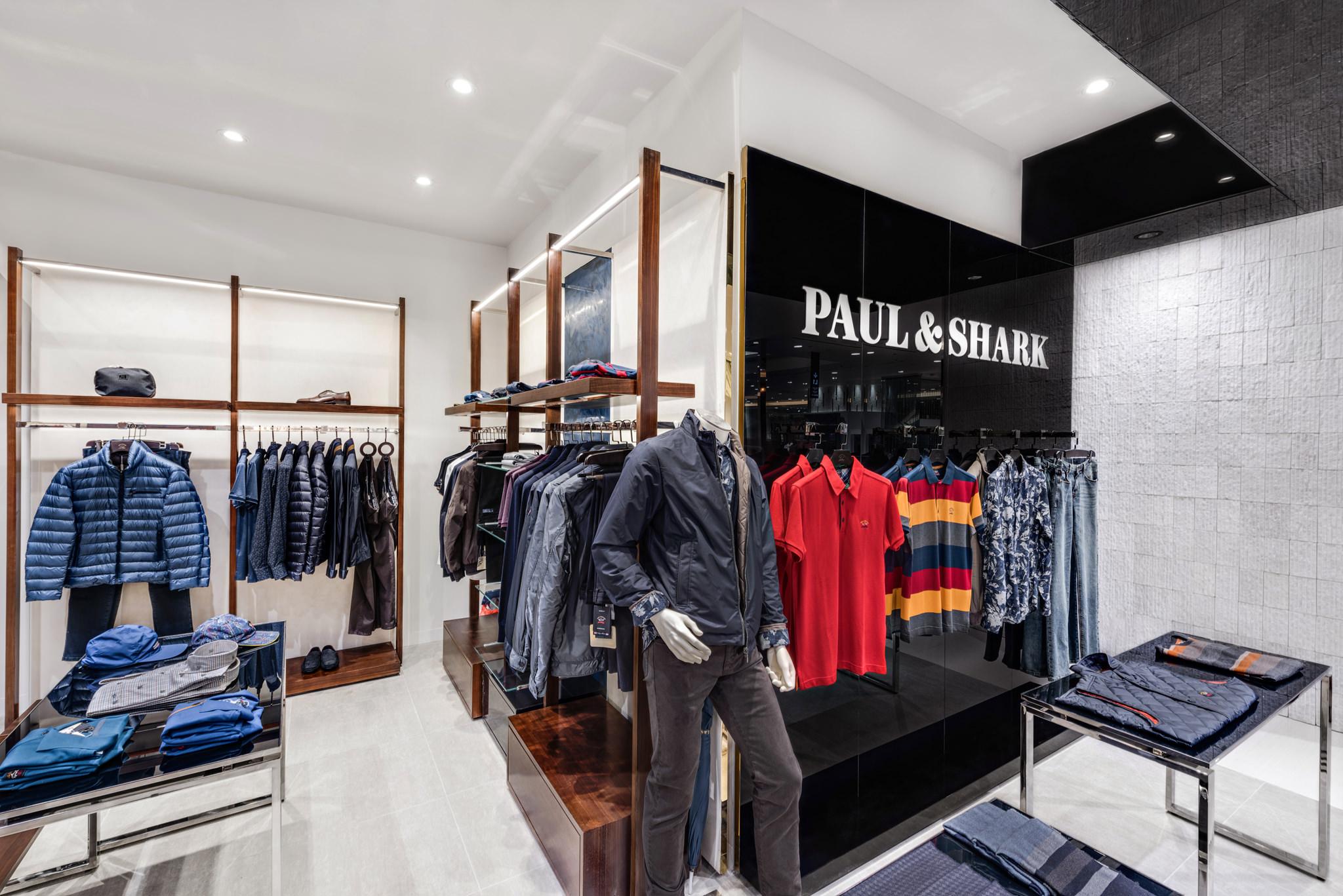 20160729 - Paul & Shark - HCM - Commercial - Interior - Store - Retouch 0007.jpg