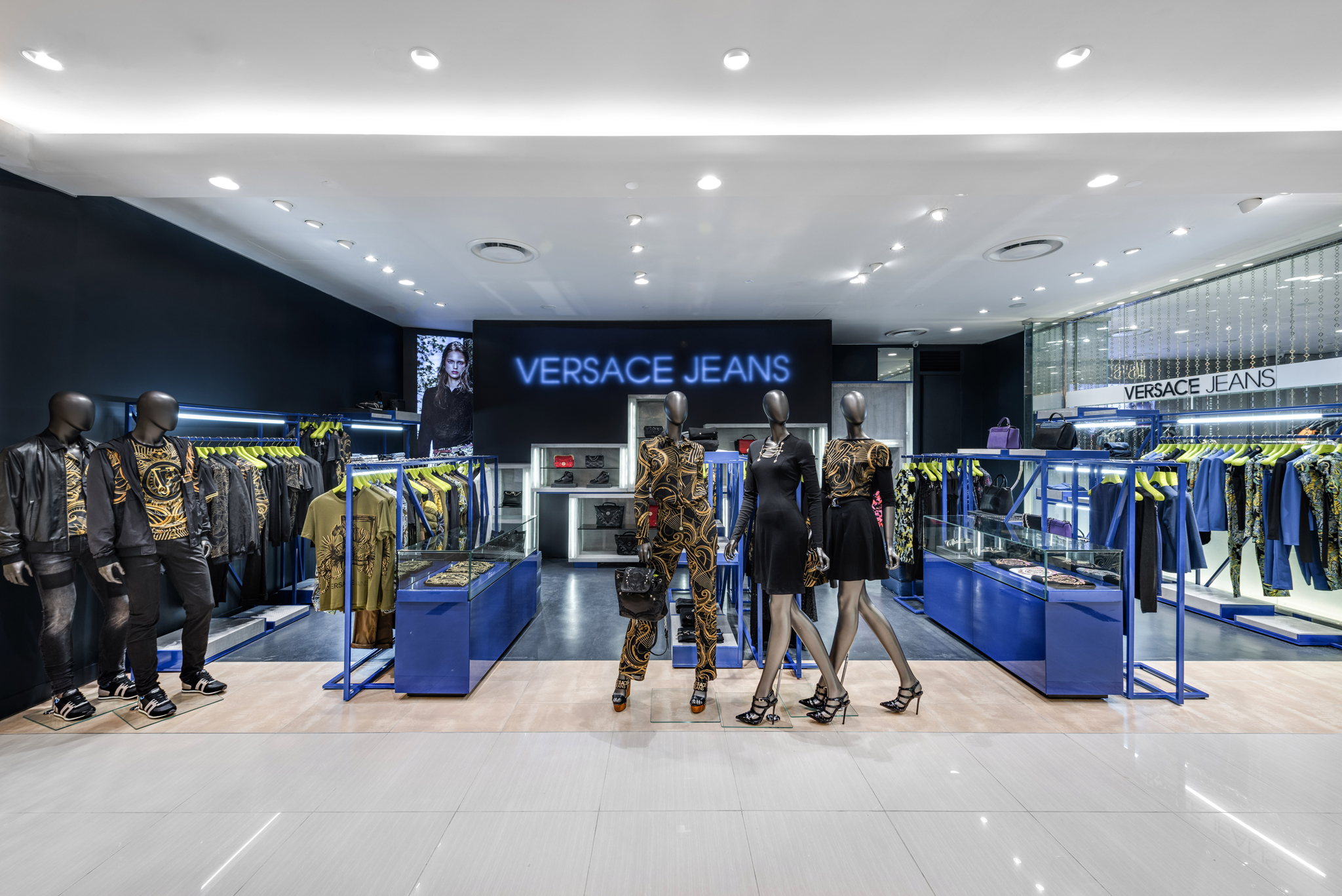 20160729 - Versace Jean - HCM - Commercial - Interior - Store - Retouch 0001.jpg