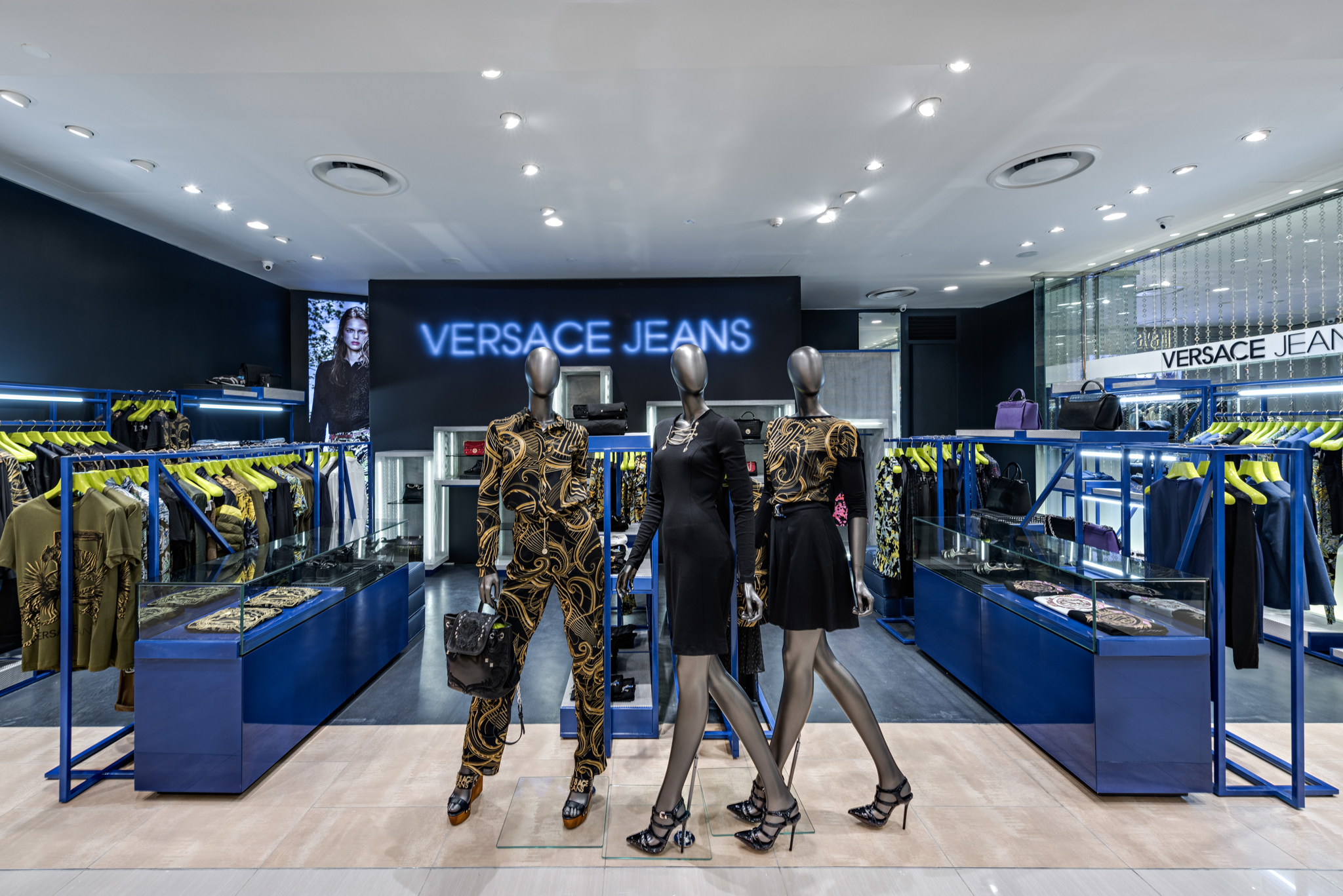 20160729 - Versace Jean - HCM - Commercial - Interior - Store - Retouch 0004.jpg